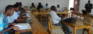Dr Olivier Basenya expose sur les réformes en cours au ministère de la santé publqiue.